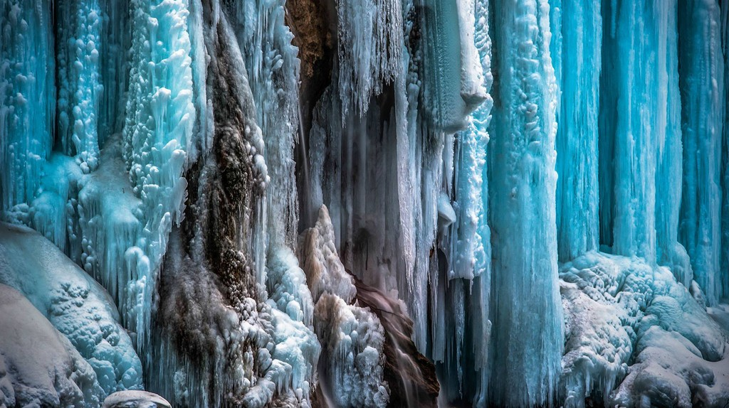 Incredible stalactites at Plitvice Lakes | © Tóth Tamás Photo Gallery