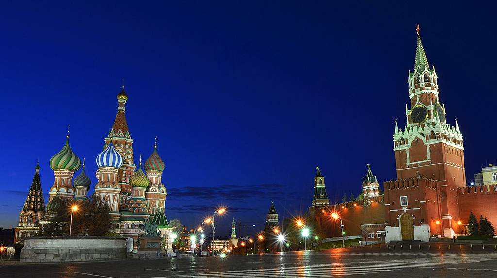 Red Square at Night | © Sergey Korovkin 84/ Wikimedia Commons