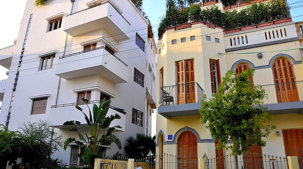 Tel Aviv offers a wide array of architectural styles from Bauhaus to eclectic| Amos Gil via PikiWiki