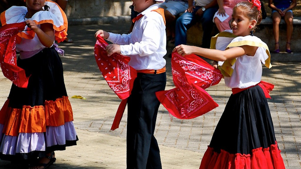 Traditional Costa Rican costumes | © Robert Ciavarro/Flickr
