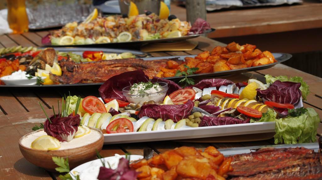 Romanian food platers     © Georgeta Gheorghe