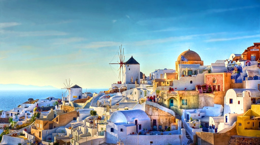 Oia, Santorini, Greece| © JChantal de Bruijne / Shutterstock