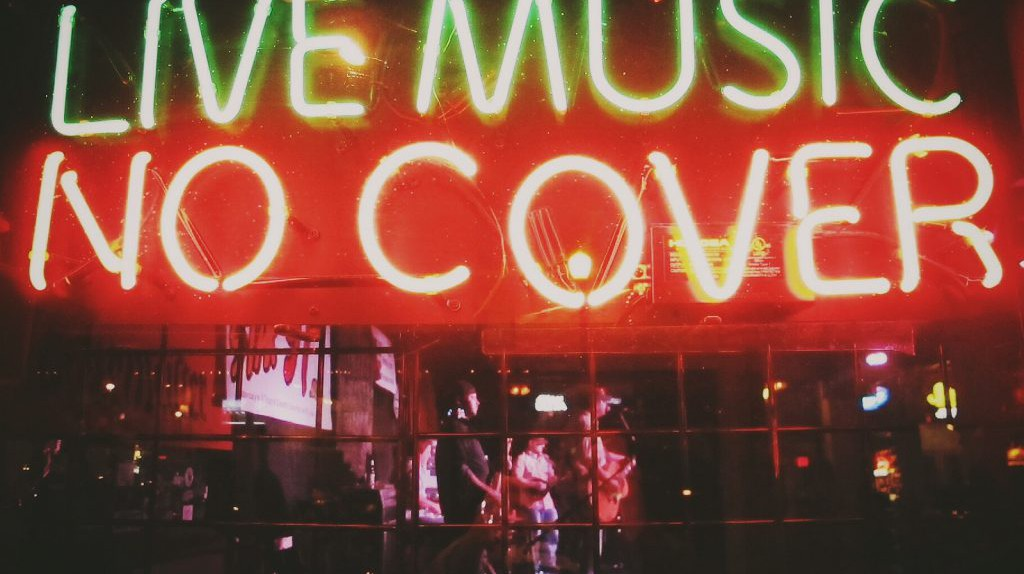 Live Music, No Cover | © @markheybo/Flickr