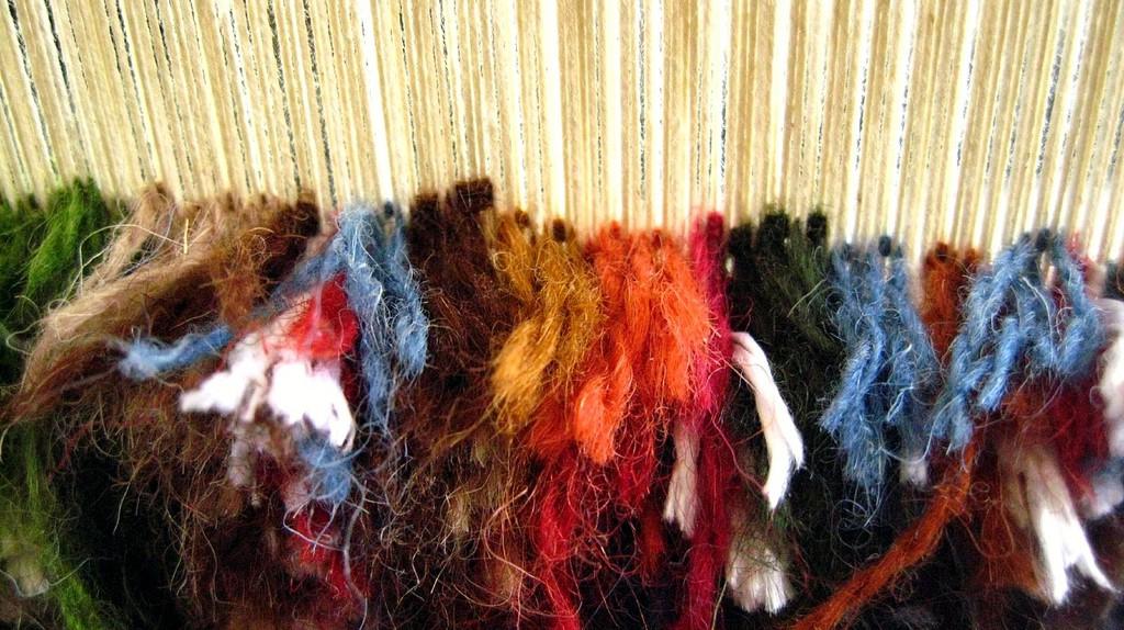 The process of rug weaving on a loom   © Fulvio Spada / Flickr