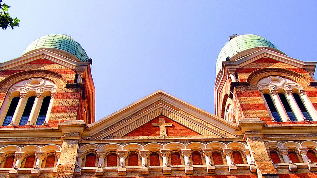 """<a href""""https://www.flickr.com/photos/gillpenney/2218747532/"""">TianjinCatholicCathedral 