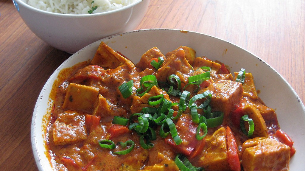 "Vegan ""chicken"" tikka masala 