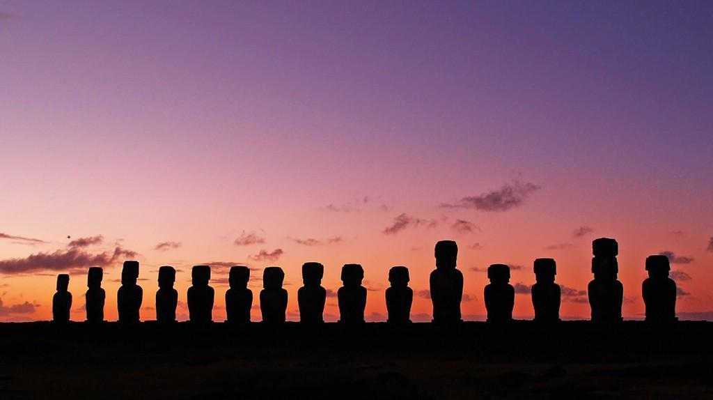 Easter Island moai   © myeviajes/Pixabay