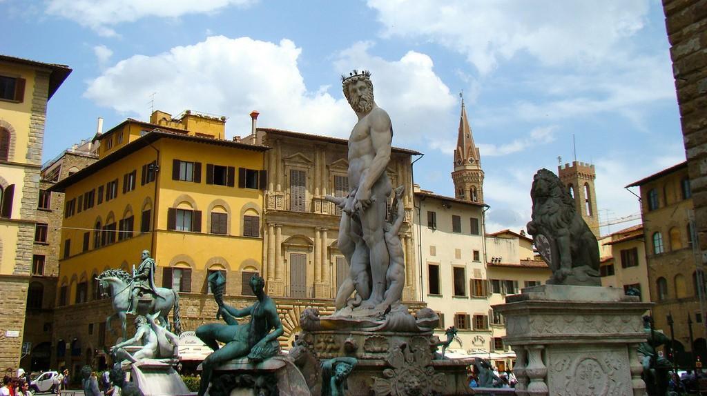 Florence   © Flickr/Bob Hall