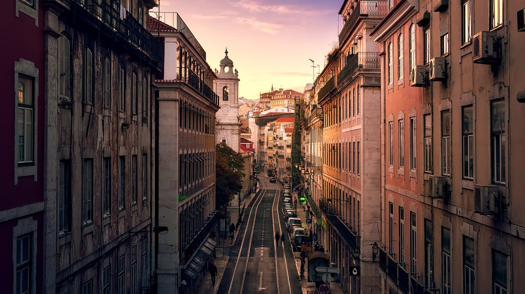 "<a href=""https://pixabay.com/en/lisbon-portugal-city-urban-1801727/"" target=""_blank"">Lisbon / Pixabay</a>"