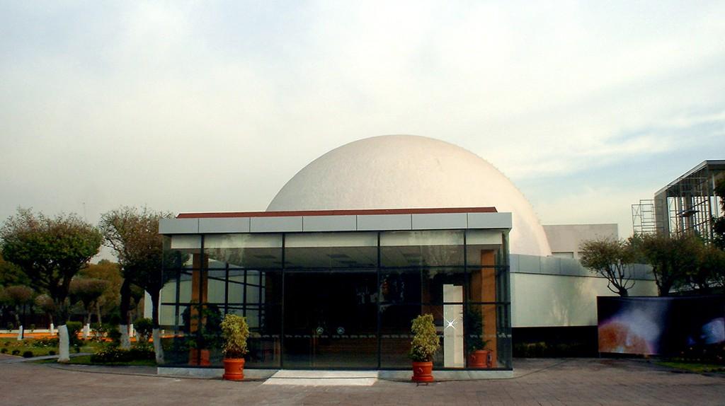 Planetario Luis Enrique Erro | © JEDIKNIGHT1970 / WikiCommons