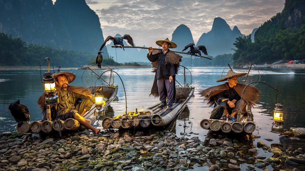 Cormorant fishermen on the Li River in Xing Ping  | © Vadim Petrakov