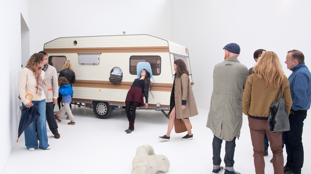 Erwin Wurm, 'Just about Virtues and Vices in General, 2016 – 2017'. Performative one minute sculpture, Austrian Pavilion | Photo: Daniele Nalesso © Bildrecht, Vienna 2017
