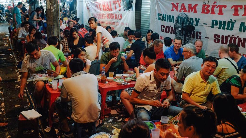 Vietnam street food scene | © Paul Galow/Flickr