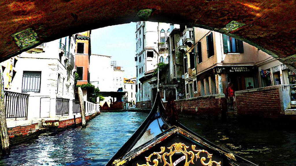 Gondola ride | pyride/Flickr