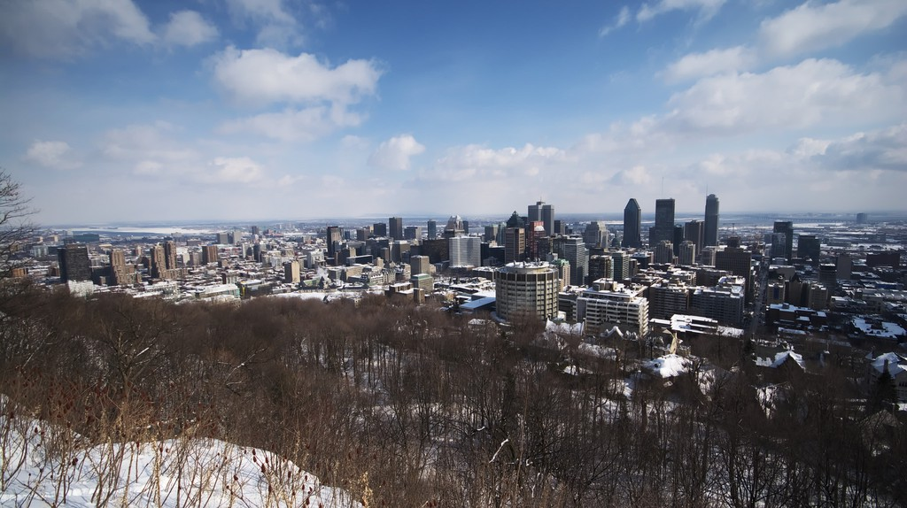 Montreal's skyline, as seen from Mont-Royal   © Maëlick / Flickr