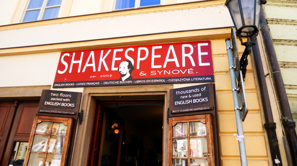 Shakespeare & Sons bookstore in Prague |©Klaudyna / Flickr