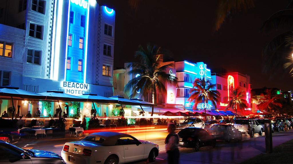 Vibrant Miami Nightlife | © Wyn Van Devanter/Flickr