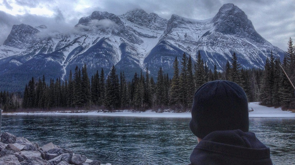 Canmore's Bow River scenery   © Edna Winti / Flickr