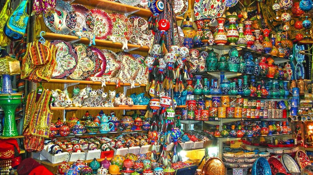 Souvenir Shop   © Yonca Evren/Flickr