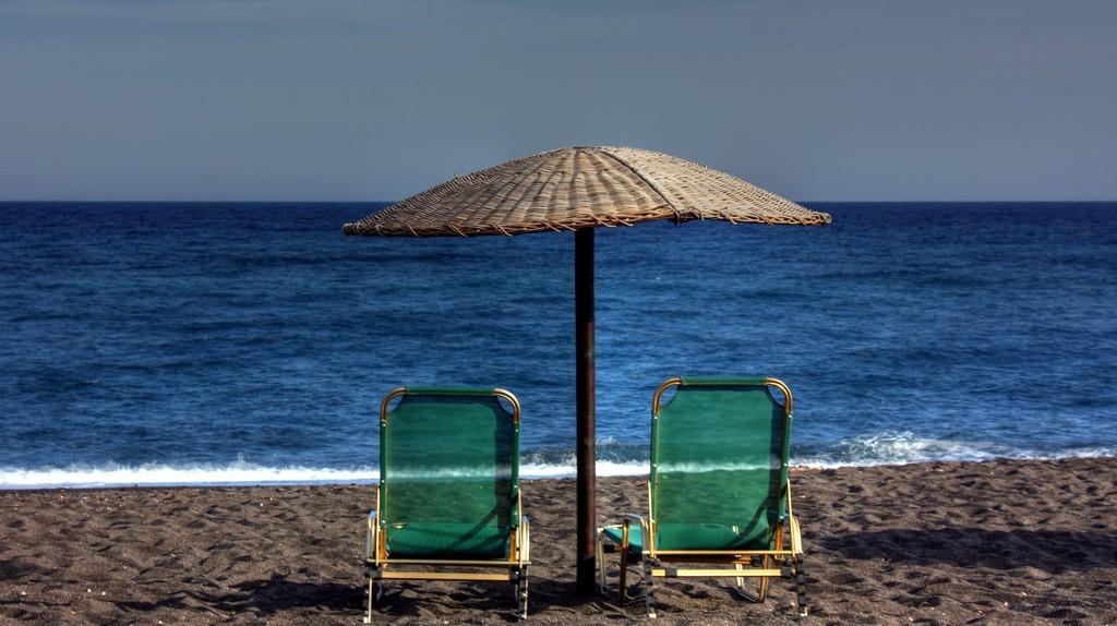 Perivolos Beach in Santorini, Cyclades, Greece | © Klearchos Kapoutsis/Flickr