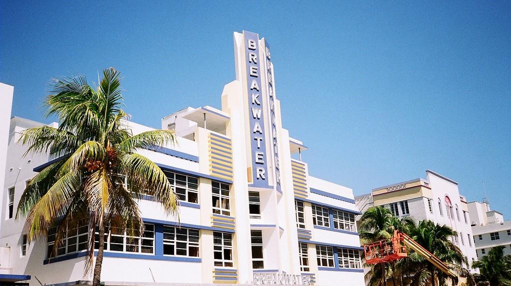 Art Deco Breakwater Hotel on Ocean Drive | Phillip Pessar/Flickr