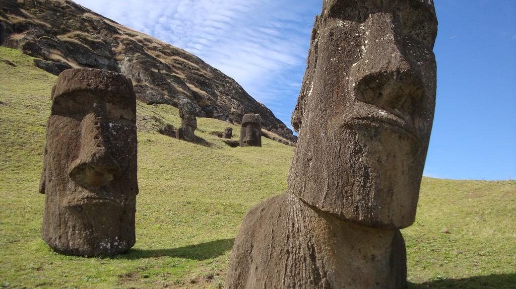 Moai statues of Easter Island   ©Iñi Piñi / Flickr