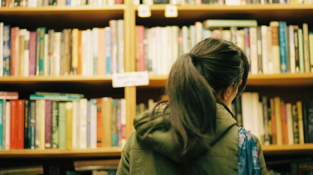 Bookstore Browsing, Chase Elliott Clark, Flikr