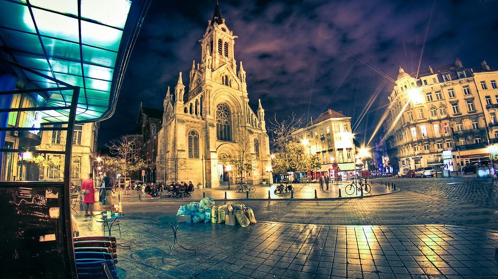 Brussels' Saint Gilles neighborhood at night   © Arcadius / Flickr