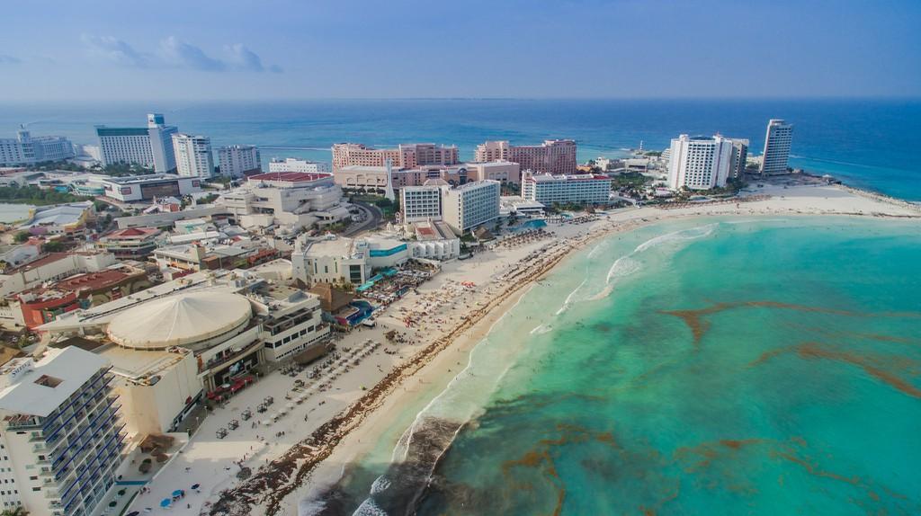 Cancún's coastline | © Maria Michelle/Pixabay
