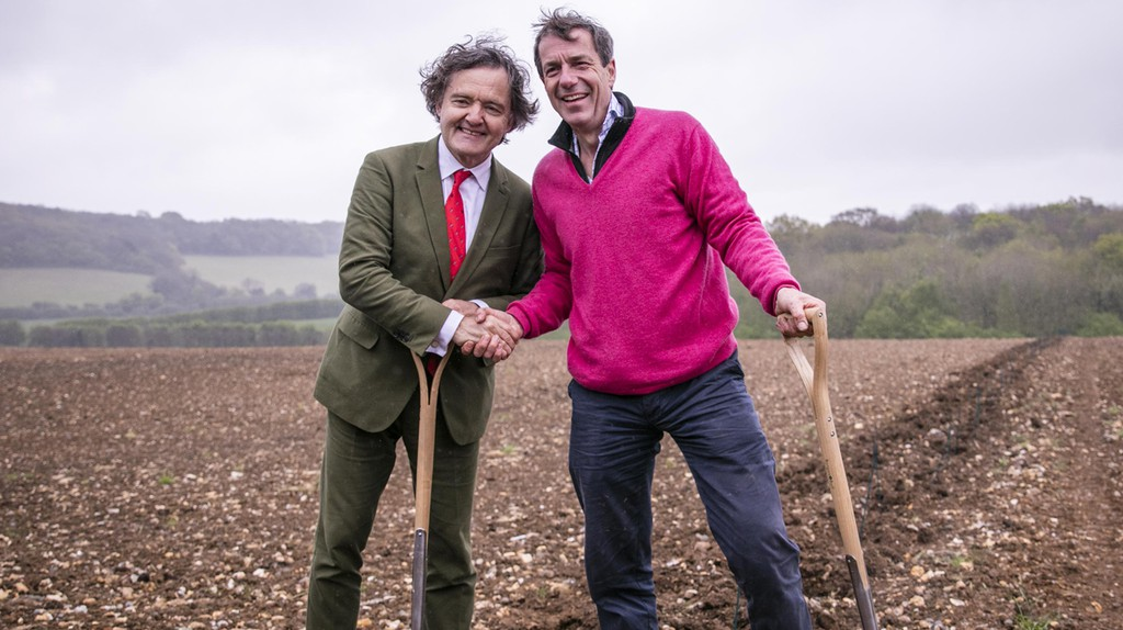 Historic moment in English-Sparkling-Wine-making history as Pierre Emmanuel Taittinger and Patrick McGrath MW of Hatch Mansfield plant their first vines at Domaine Evremond in Kent | © Thomas Alexander Photography 2017