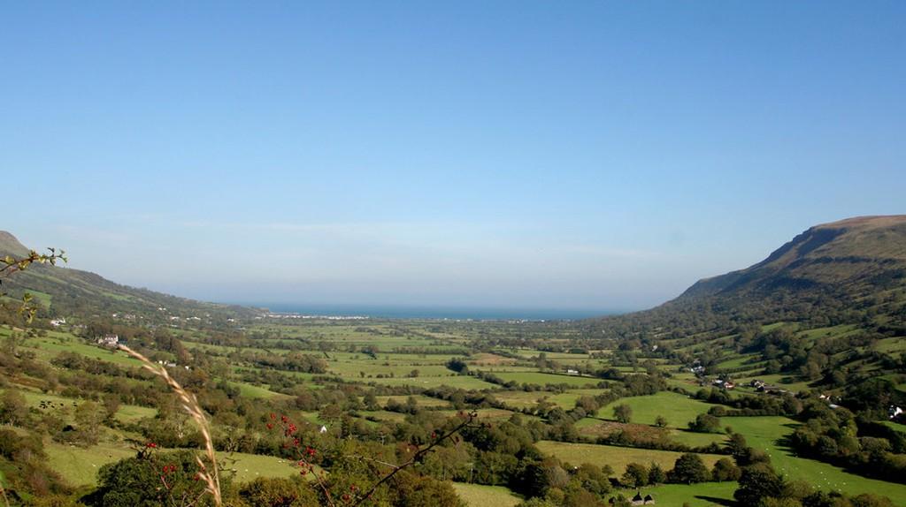 View of Red Bay, Northern Ireland | © Patrick Baldwin/Geograph