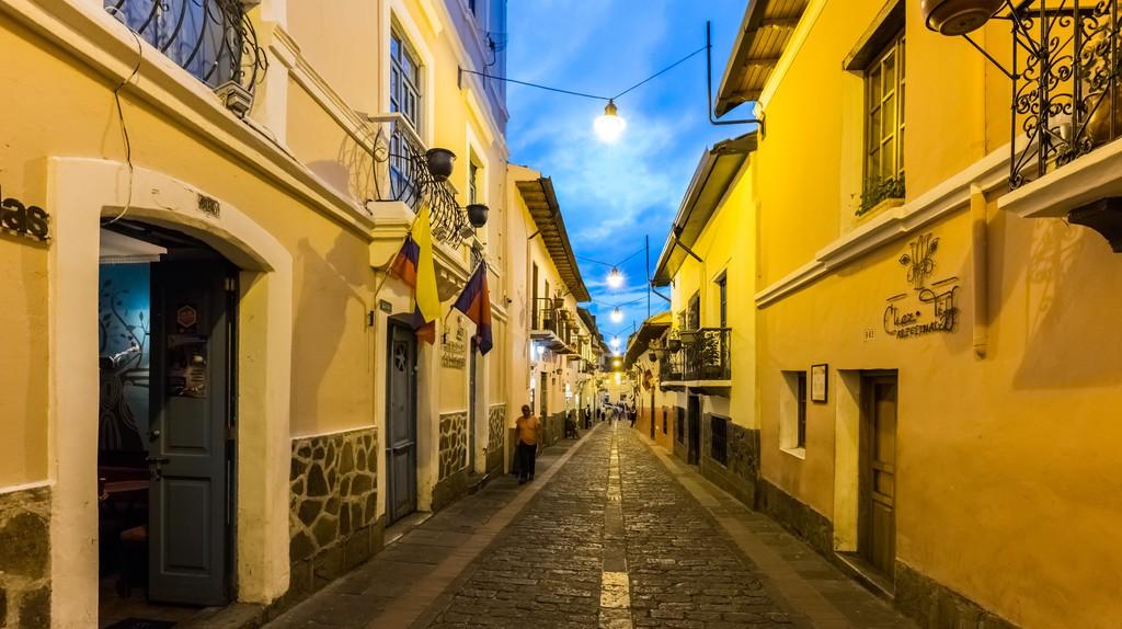 Calle de la Ronda, Quito, Ecuador   © Diego Delso/WikiCommons