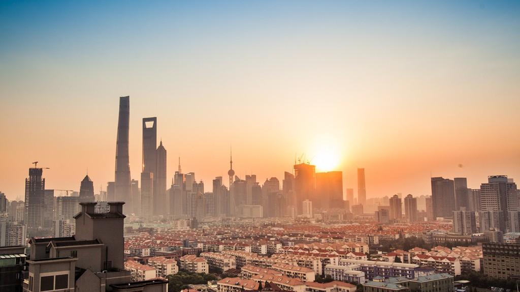 Shanghai Skyline from Behind | ©xuanzi85410527/Pixabay