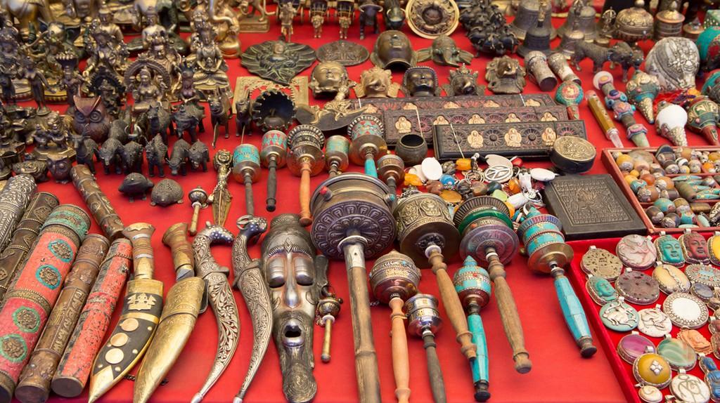 Indian Handicrafts | ©  surassawadee/Shutterstock