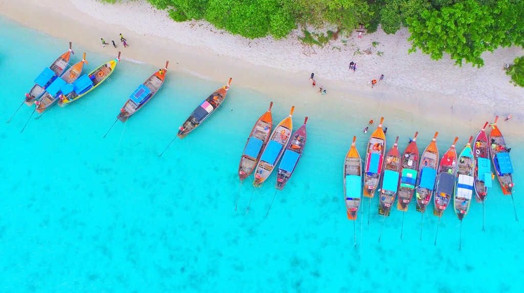 Koh Lipe, Andaman sea, Thailand, view from a high angle   © Golf Photographer / Shutterstock