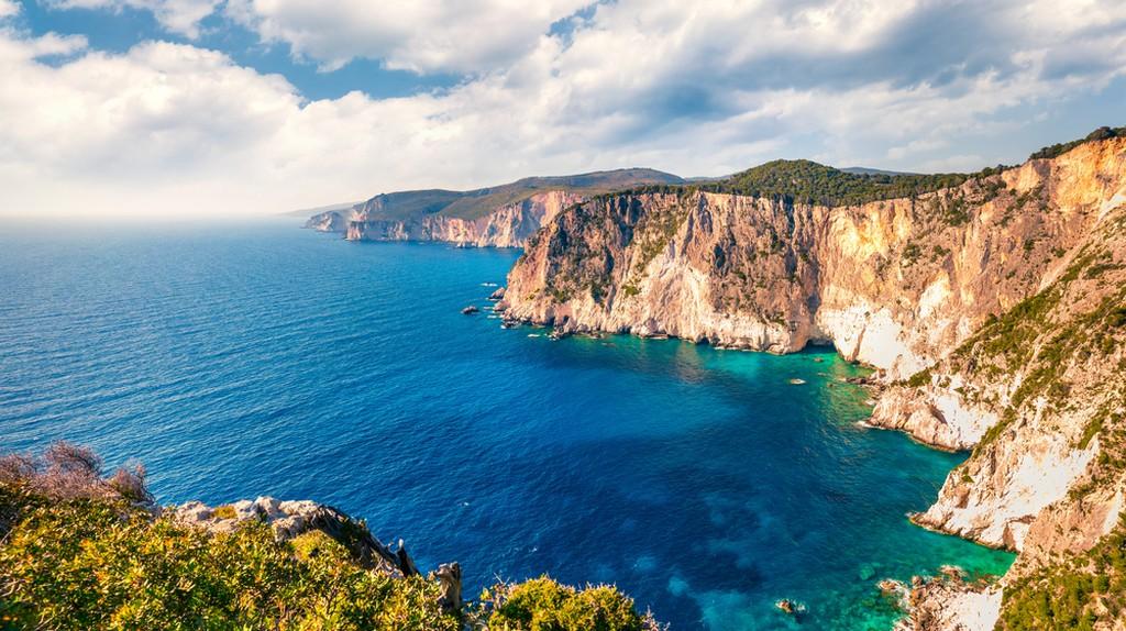 Blue Caves, Zakynthos / (c) Andrew Mayovskyy/ Shutterstock