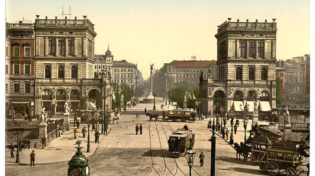 The Halle Gate and Belle Alliance Square in Berlin © Wikimedia Commons
