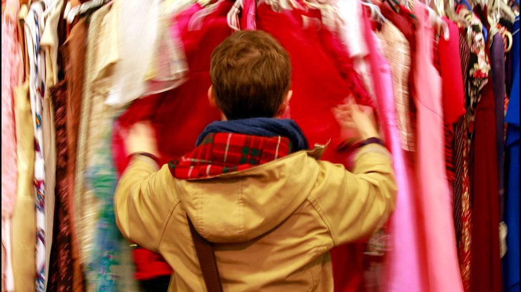 Vintage clothes shopping   © Joseph Brent/Flickr