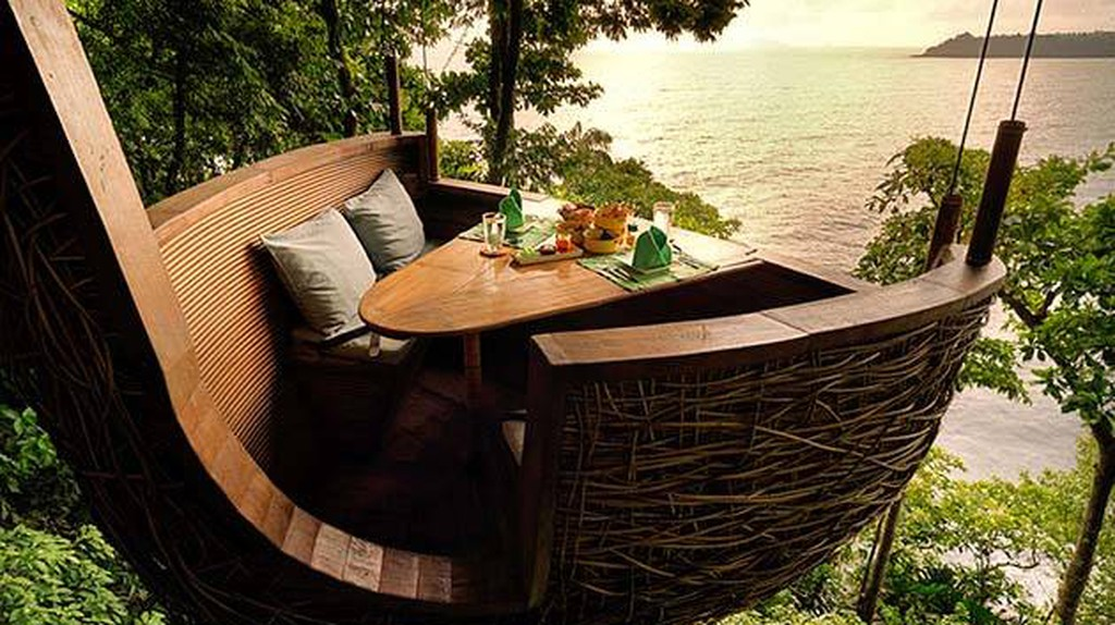 Tree top dining at Soneva Kiri | Courtesy of Soneva Kiri