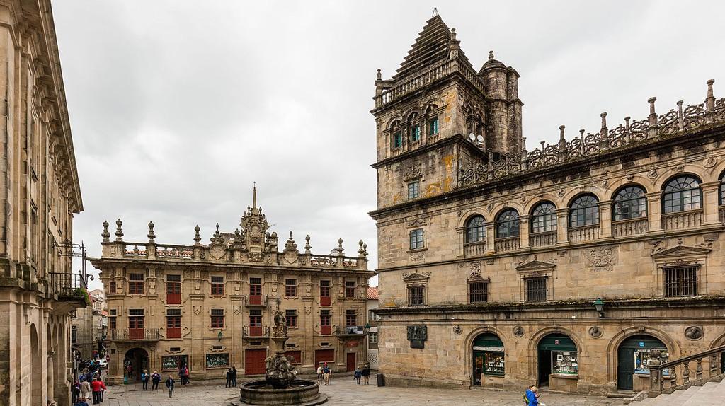 Plaza de las Platerías, Santiago de Compostela | © Diego Delso /WikiCommons