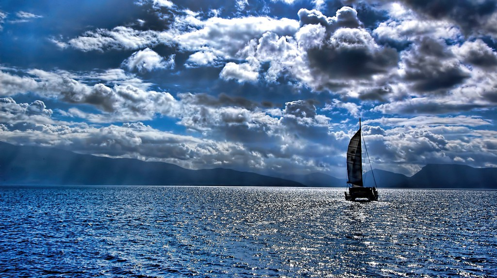 "<a href=""https://www.flickr.com/photos/oliver_clarke/14190207982"" target=""_blank"" rel=""noopener noreferrer"">Sailing in the Ionian Sea | © Oliver Clarke / Flickr</a>"