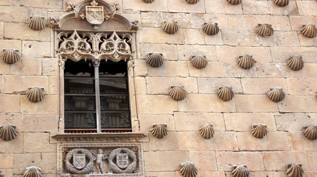 The facade of the Casa de las Conchas, Salamanca, Spain. Photo: Flickr