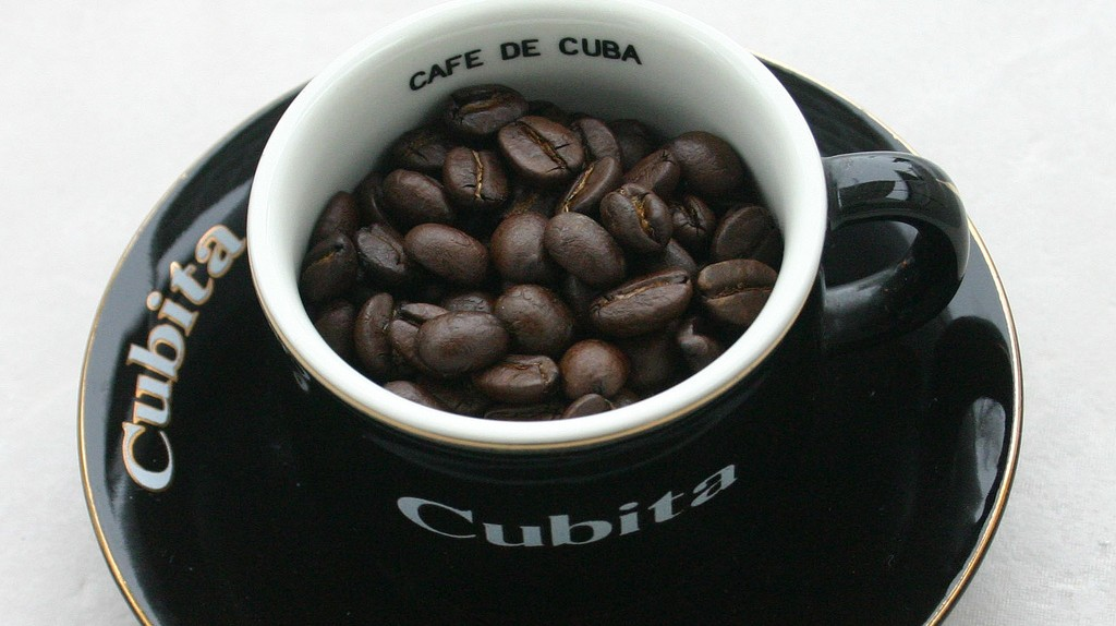 "Cubita, Cuban coffee | © <a href=""https://www.flickr.com/photos/coffeedetective/2334643499/"">CoffeeDetective / Flickr</a>"