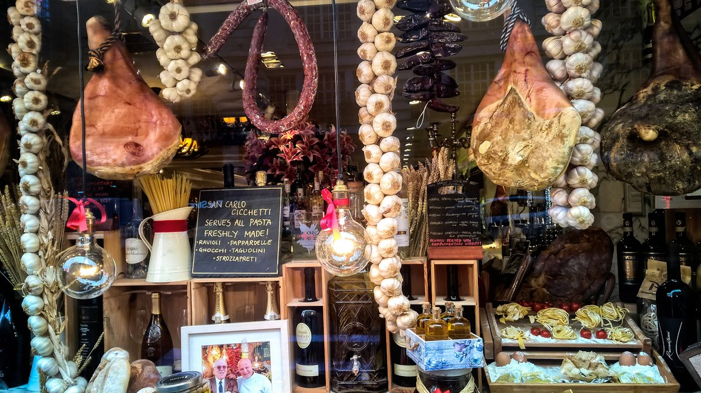 San Carlo Cicchetti's window | © Garry Knight/Flickr