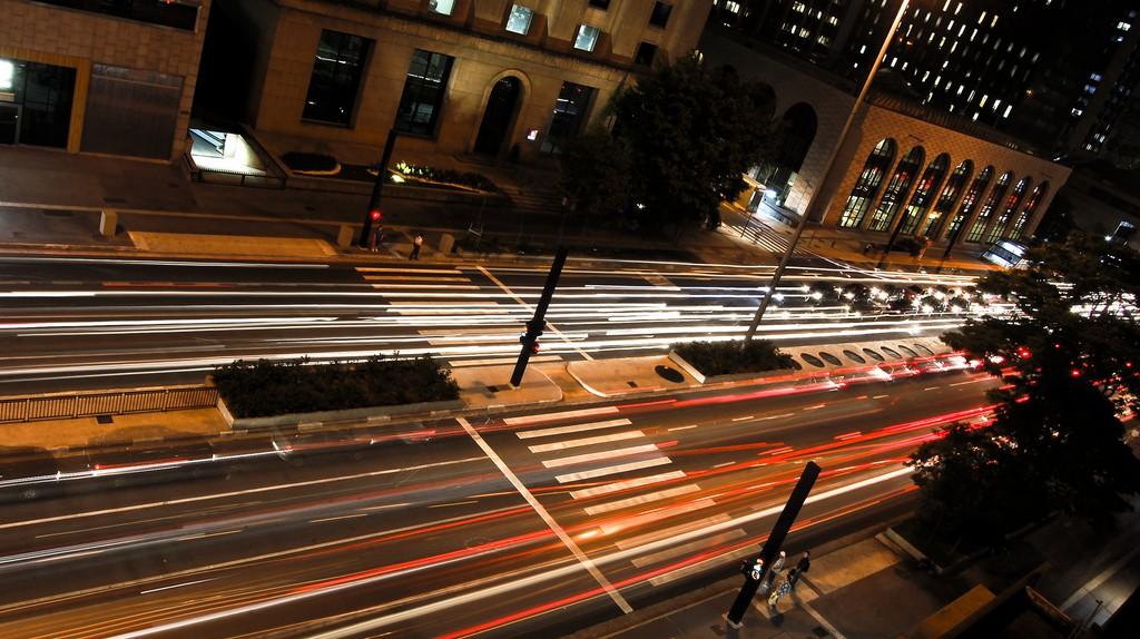 "Paulista Avenue, São Paulo, Brazil | © Wagner T. Cassimiro ""Aranha"" / Flickr"