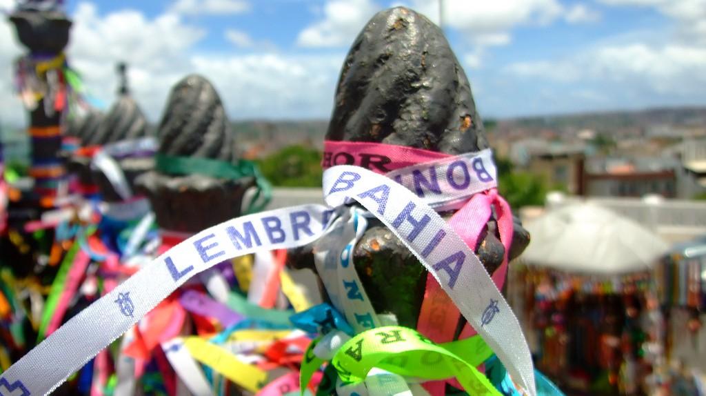 Bonfim ribbons outside Nosso Senhor do Bonfim Church I © Daniele Febei/Flickr