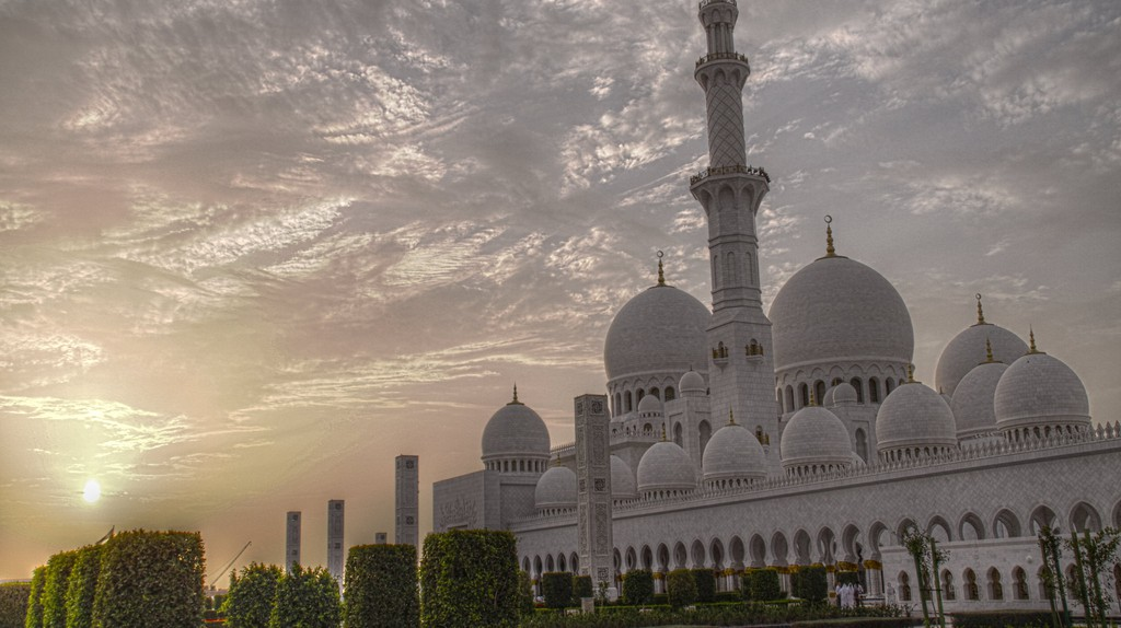 Sheikh Zayed Grand Mosque | © lam_chihang/Flickr