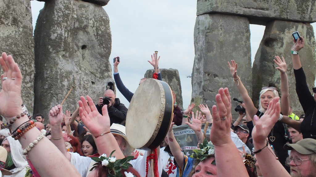 How to Celebrate Summer Solstice in England