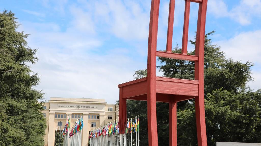 Geneva's Broken Chair |© Sean Mowbray