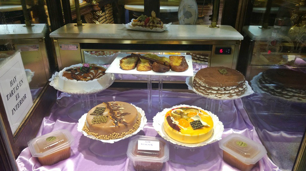 Enjoy some of the best desserts in Madrid  | © Lori Zaino